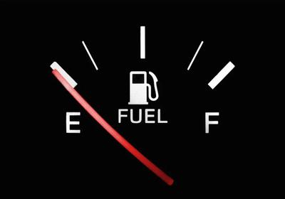Benzyny w Anglii nie brakuje, ale kierowcy cystern są dziś cenniejsi niż paliwo